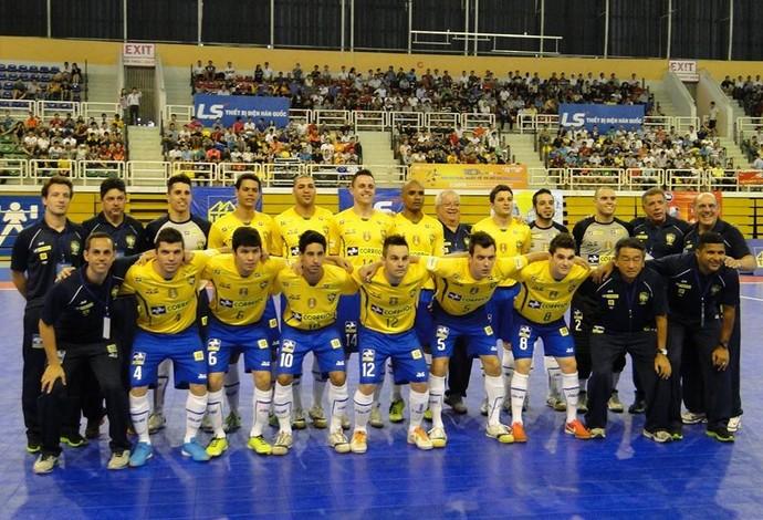 7c31478398 Brasil goleia Tailândia e inicia Torneio do Vietnã de futsal com pé ...