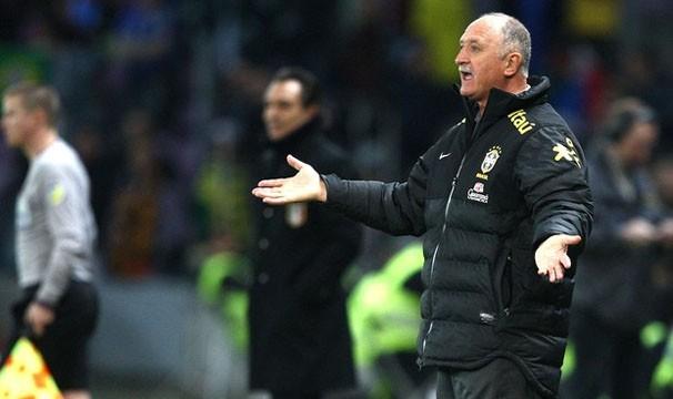 Técnico Felipão ainda não obteve vitória no comando da seleção (Foto: Mowa Press/Reprodução: Globoesporte.com)