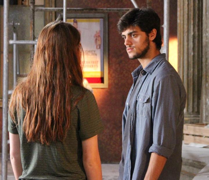 Jonatas fica decepcionado com Eliza (Foto: Anny Ribeiro / Gshow)