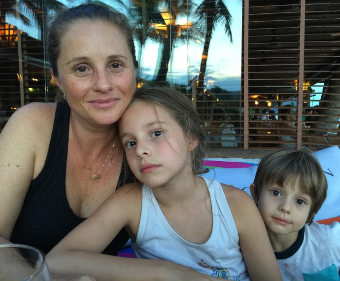 Daniela e os filhos Aaron e Hanah (Foto: Arquivo Pessoal)
