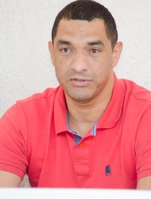 Fábio Costa gerente União Barbarense (Foto: Sanderson Barbarini / Foco no Esporte)