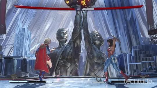 Lutas de Injustice 2 são comentadas por narradores do canal Combate; assista
