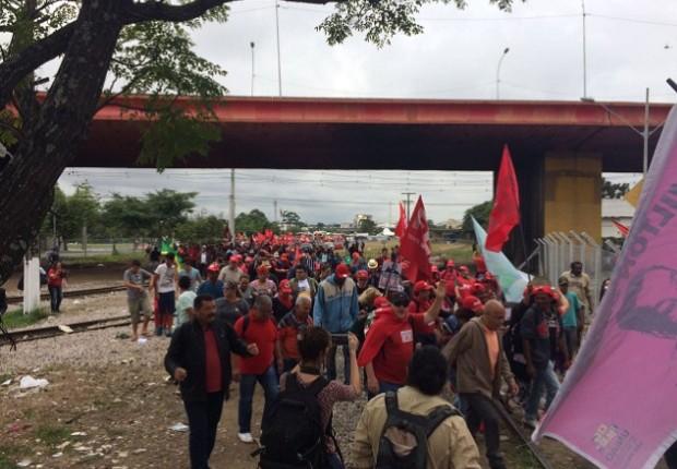 Apoiadores de Lula e ativistas iniciam caminhada em Curitiba (Foto: Reprodução Twitter ABCDeLuta/@abcdeluta)