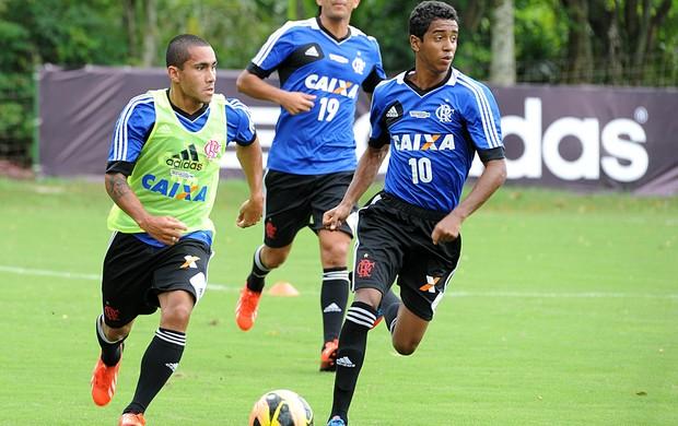 Gabriel é o camisa 10 do Flamengo nos jogos e treinos (Foto: Alexandre Vidal/ Fla Imagem)