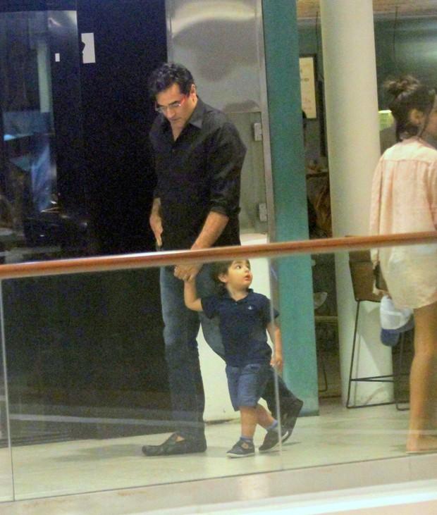 Luciano Szafir e o filho (Foto: gNews / AgNews)
