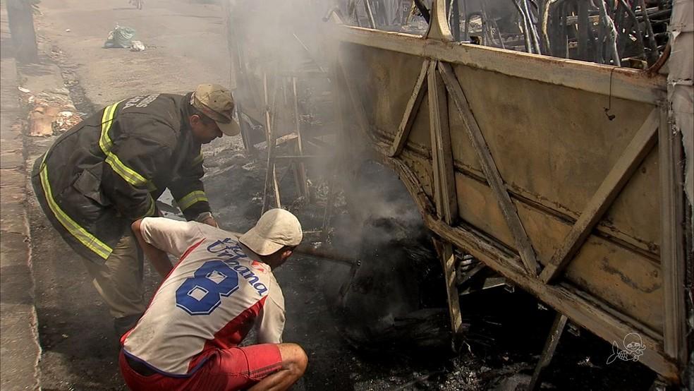 Fortaleza sofre ataques em ônibus em onda de violência que ocorre na cidade desde quarta-feira (Foto: TV Verdes Mares)