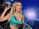 Babi Rossi deixa pernas de fora e parte do sutiã à mostra em Salvador