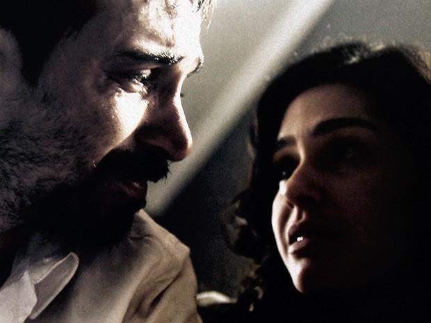 Oswaldo e Camila têm momento tenso e revelador durante interrogatório (Foto: O Rebu / TV Globo)