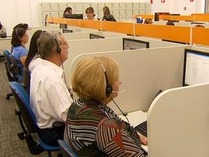 Setor de telemarketing aposta em mão de obra na terceira idade para melhorar serviço e atendimento (Foto: Reprodução EPTV)