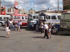 Exposição de ônibus reúne clássicos do transporte em Divinópolis