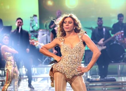 'Show dos Famosos': Ícaro Silva encarna Beyoncé e leva a melhor em estreia