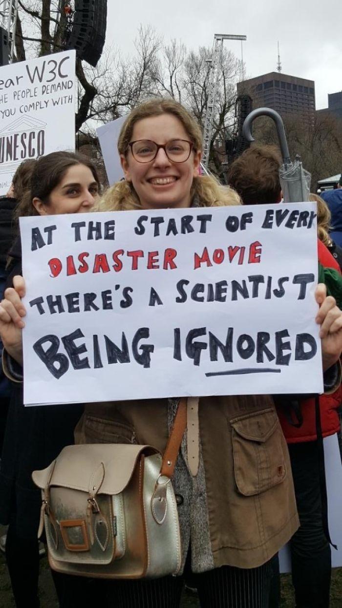 No início de todo filme de desastre tem um cientista sendo ignorado (Foto: Reprodução)