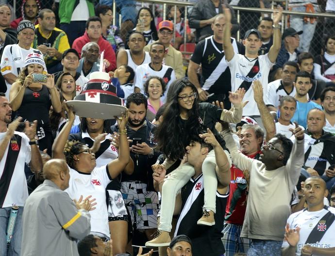 Torcida do Vasco no no Estádio Kleber Andrade, em Cariacica (Foto: Bernardo Coutinho/A Gazeta)