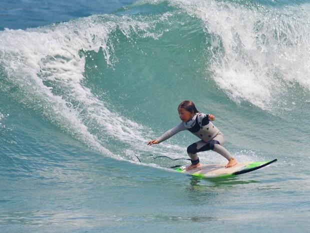 Ocean Brown tambm chama a ateno pelo talento no surfe, aos 4 anos de idade (Foto: Reproduo/Instagram)