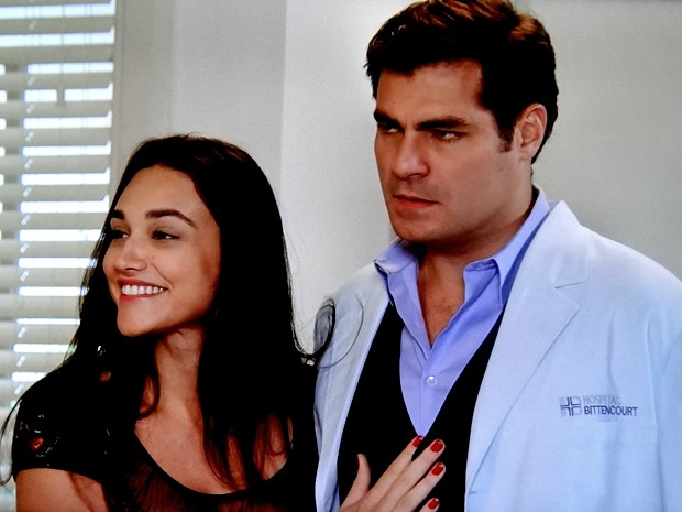 Sueli anuncia que vai se casar com Marcos (Foto: TV Globo)