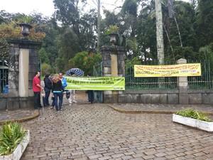 Comando de greve impede reabertura do Museu Imperial em Petrópolis (Foto: Andressa Canejo/G1)