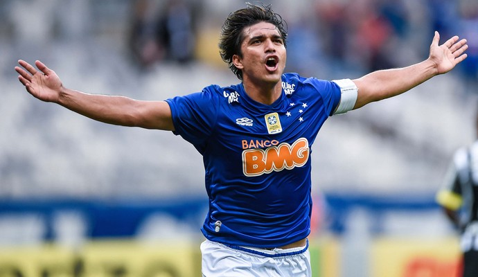 Marcelo Moreno cruzeiro gol santos  (Foto: Washington Alves / Light Press )
