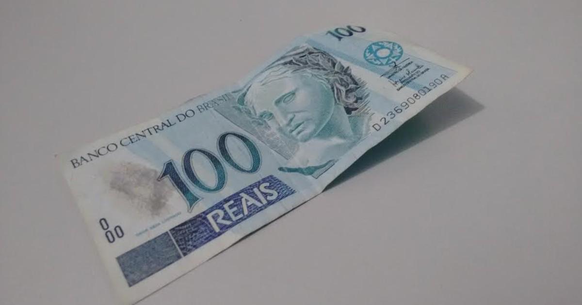 Homem usa nota falsa de R$ 100 para pagar boleto em casa ... - Globo.com