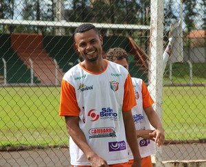 Pablo, atacante do Naviraiense para temporada 2014 (Foto: Orisvaldo Sales/Naviraiense)