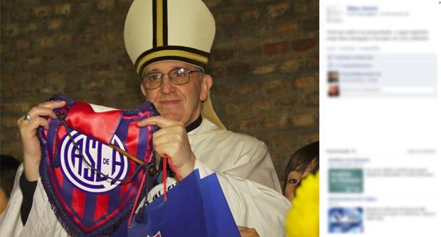 Em uma imagem compartilhada no Facebook, o então cardeal Jorge Mario Bergoglio aparece segurando uma flâmula do clube argentino San Lorenzo (Foto: Reprodução)