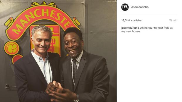 """BLOG: Mourinho encontra Pelé em Manchester: """"Honra recebê-lo em minha nova casa"""""""