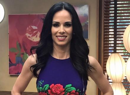 Ana Furtado aposta em vestido floral para o 'É de Casa'