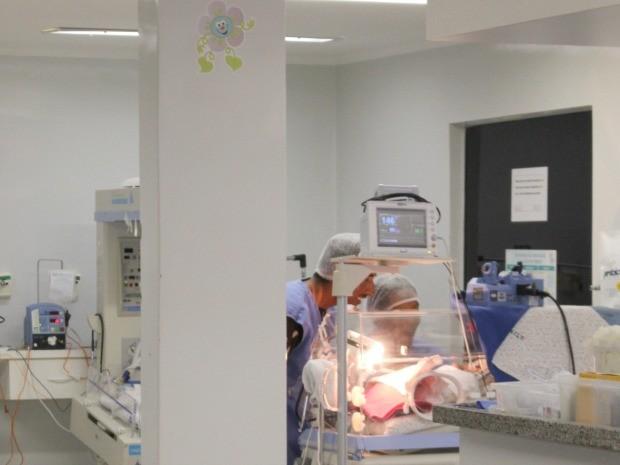 Pai de quadrigêmeas faz 1ª visita com mãe em MS e diz que é só felicidade (Foto: Adriel Mattos/G1 MS)