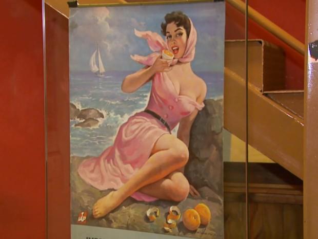 Pinturas de Vicente Caruso estão expostas no Paço das Águas Shopping em Poços de Caldsa (Foto: Reprodução EPTV)