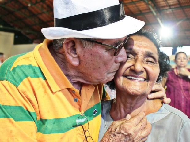 Romance não faltou no CarnaIdoso (Foto: Mônica Dias/G1)