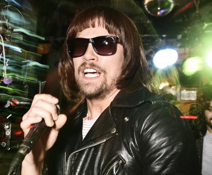 Leo se inspira em Ramones (Foto: Márcio Del Nero/ TV Globo)