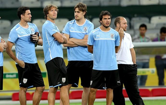Martin Silva goleiro treino Uruguai (Foto: AP)