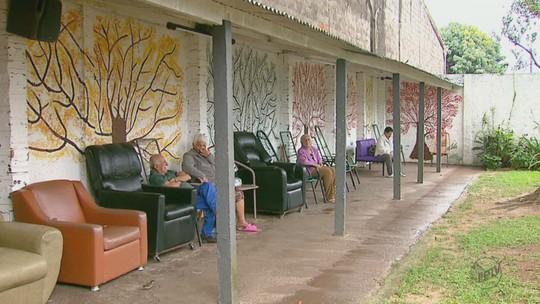 Sem recursos, Cantinho da Luz fecha e 13 idosos buscam abrigo na região