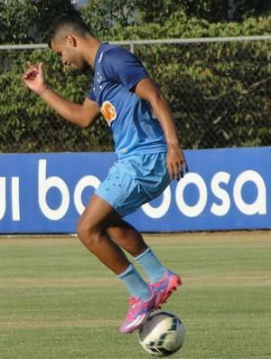 Alisson, meia do Cruzeiro (Foto: Tarcísio Badaró)