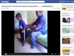 Vídeo com agressão contra criança foi registrado na Malásia, em 2012 (Foto: Reprodução/Facebook)