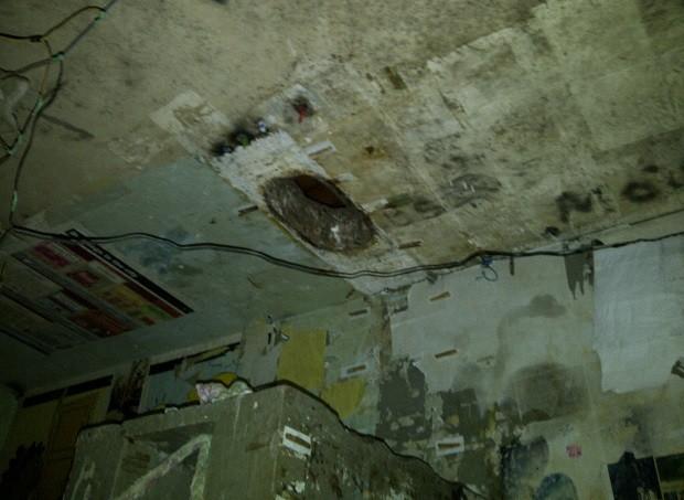 Sete presos fugiram por buraco no teto da cela (Foto: Divulgação/Sejuc)