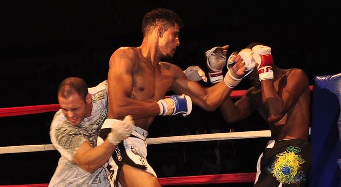 Marreta venceu por nocaute aos 42 segundos de luta (Foto: Abraão Borges)