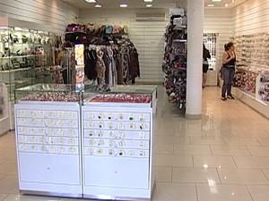 Movimento na loja de acessórios caiu 70% (Foto: Reprodução/TV Integração)