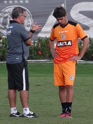 Beto Almeida, técnico do ASA, e Rafael Gava, meia (Foto: Leonardo Freire/GloboEsporte.com)