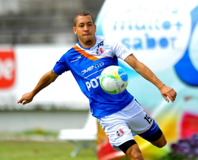 Julinho Santa Cruz (Foto: Aldo Carneiro / Pernambuco Press)