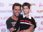 Henri Castelli diz que é cedo para o filho ser modelo: 'Muito novo'