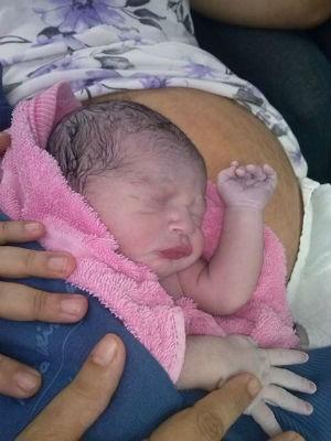 Cauê nasceu com 3 kg, em meio a congestionamento da Visconde de Guarapuava, em Curitiba (Foto: Eliane Barbosa de Azevedo/ arquivo pessoal)