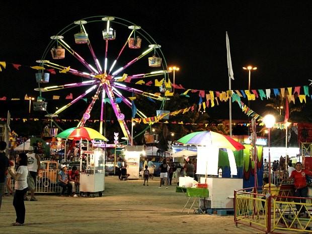 Parque de diversão também faz parte do festival que reúne pessoas de todas as idades (Foto: Mônica Dias/G1 AM)