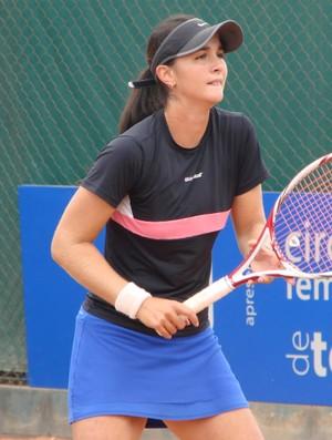 Tenista Marina Danzini na quinta etapa do Circuito Feminino Future de Tênis, em São José dos Campos (Foto: Danilo Sardinha/Globoesporte.com)