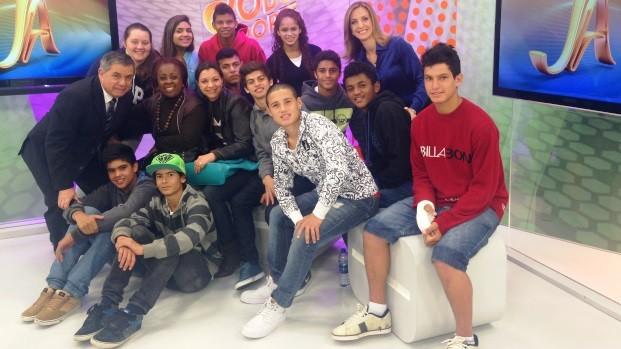 Mário Motta e Adriana Krauss receberam estudantes (Foto: Marina Scarabelot Cidade/RBS TV)
