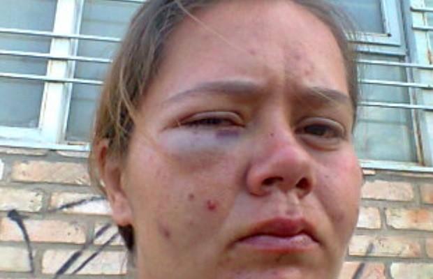Mulher é agredida por segurança ao tentar defender cão em supermercado Aparecida de Goiânia Goiás (Foto: Arquivo pessoal)