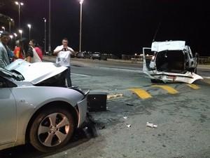Taxista ficou ferido (Foto: Roberto Noronha / Vc no G1)