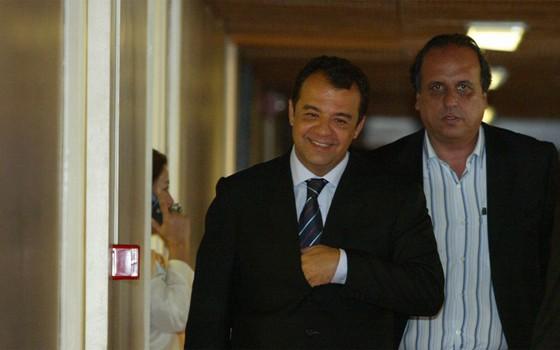 Sérgio Cabral e Luiz Fernando Pezão, antigo e atual governadores do Rio de Janeiro (Foto: Agência O Globo)