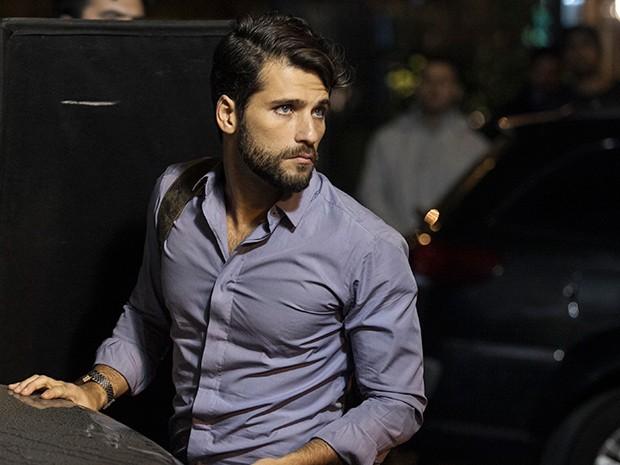 Bruno Gagliasso na pele de Edu, um serial killer (Foto: Inácio Moraes / TV globo)