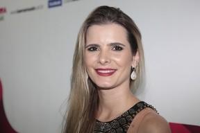 Flávia Camargo, mulher do cantor Luciano, em show no Rio (Foto: Isac Luz/ EGO)