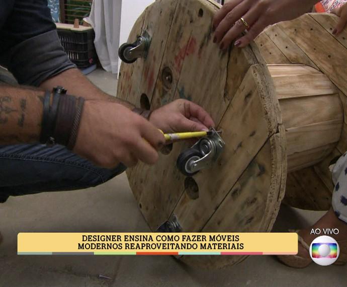 Móveis modernos podem ser criados a partir de objetos corriqueiros (Foto: TV Globo)